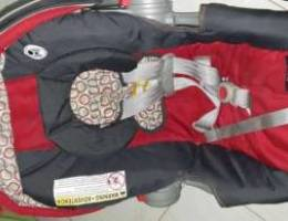 GRACO baby carrier plus car seat with base...